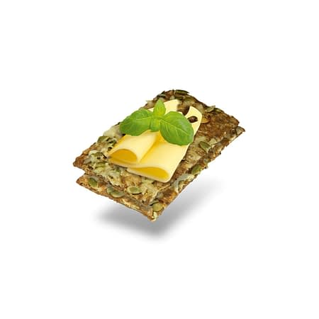 Traški duonelė su moliūgo sėklomis ir sūriu, Layenberger (150g) | ifood.lt